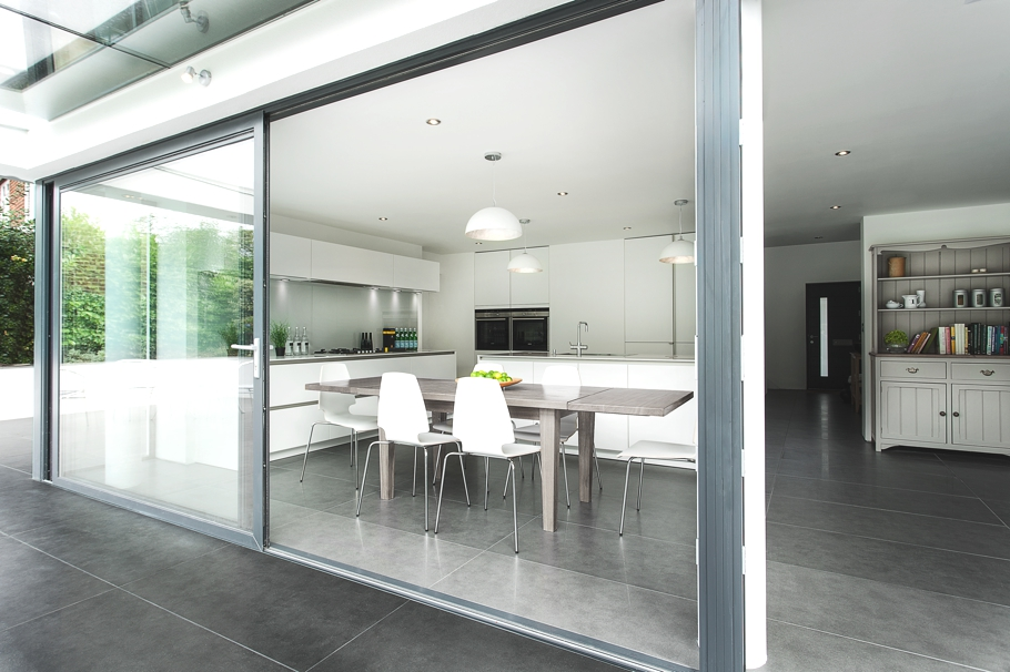 Contemporary-Property-Design-England-03