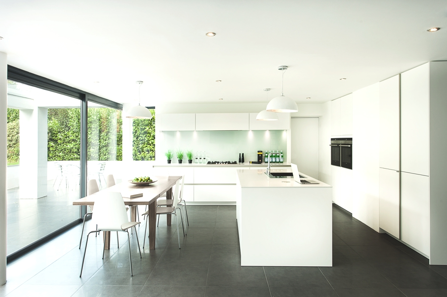 Contemporary-Property-Design-England-05