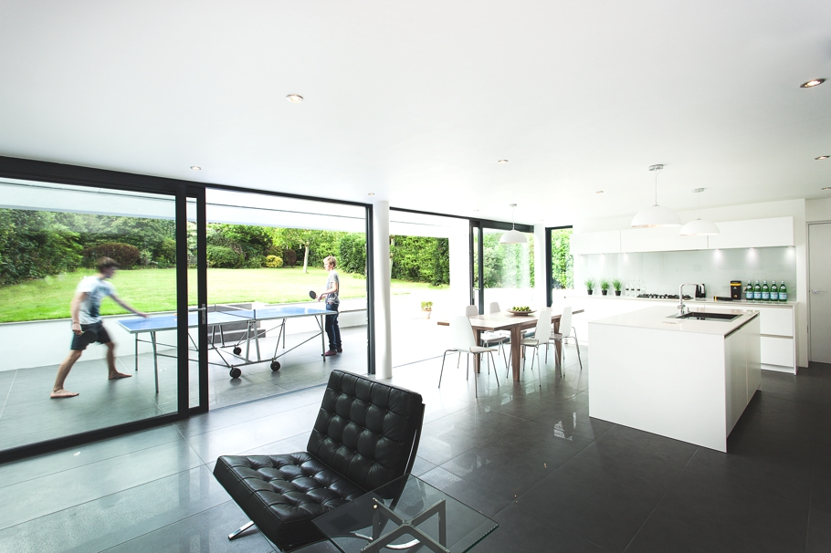 Contemporary-Property-Design-England-06