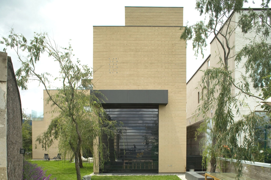 Contemporary-Property-Design-Mexico-City-01