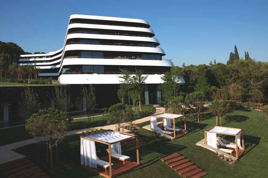 Croatia 39 s hotel lone designed to look like a luxurious for Hotel exterior design