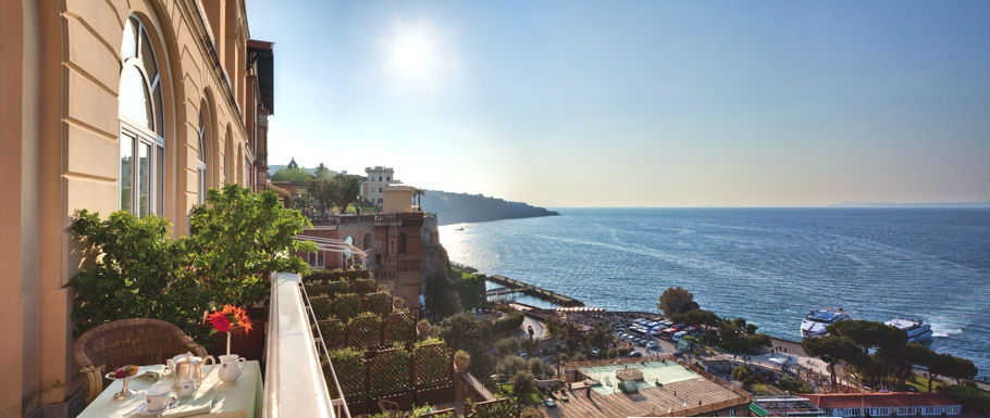 Luxury-Italian-Hotel-Sorrento-01