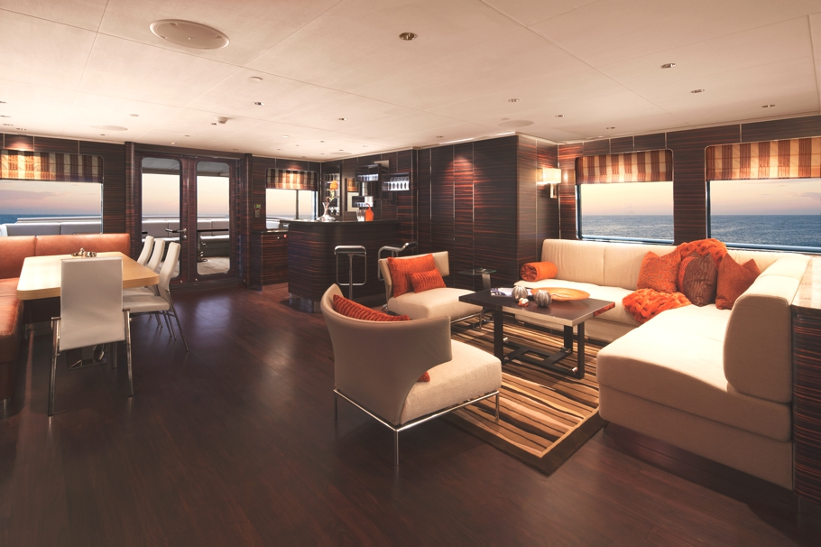 Luxury-Yacht-Charter-01