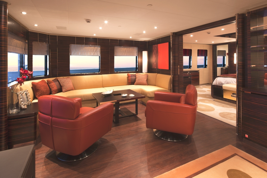 Luxury-Yacht-Charter-03