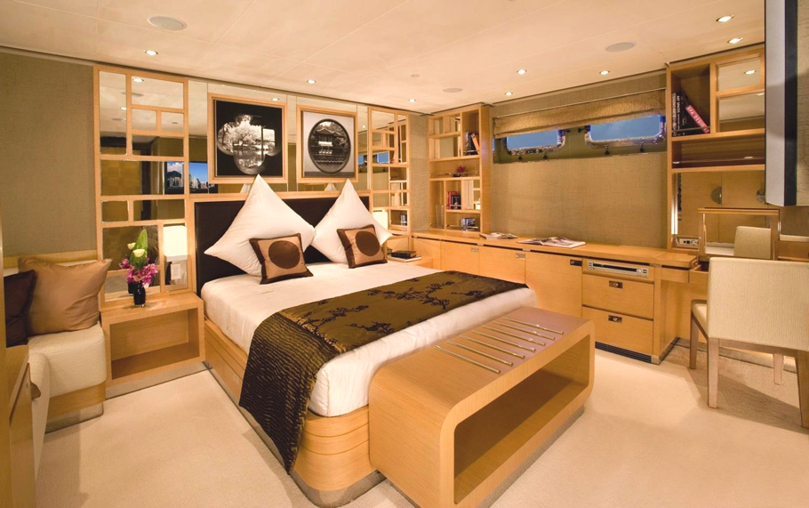 Luxury-Yacht-Charter-08