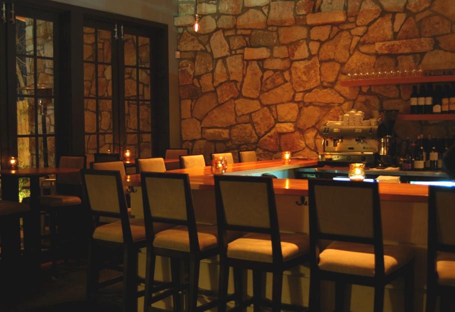 Contemporary-Restaurant-Design-Texas_08