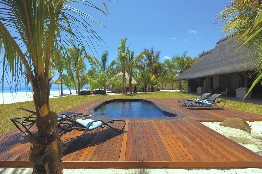 Luxury hotels in mauritius adelto for Luxury hotel company