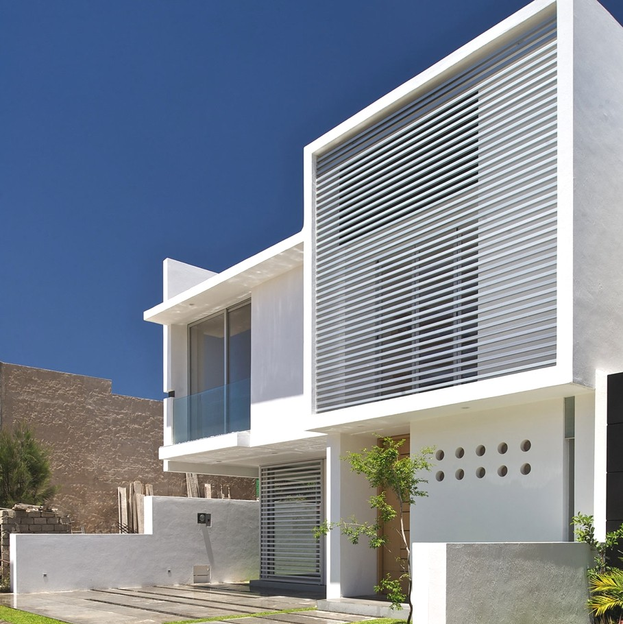 Contemporary architectural design at seth navarrette house for Architecture design a house
