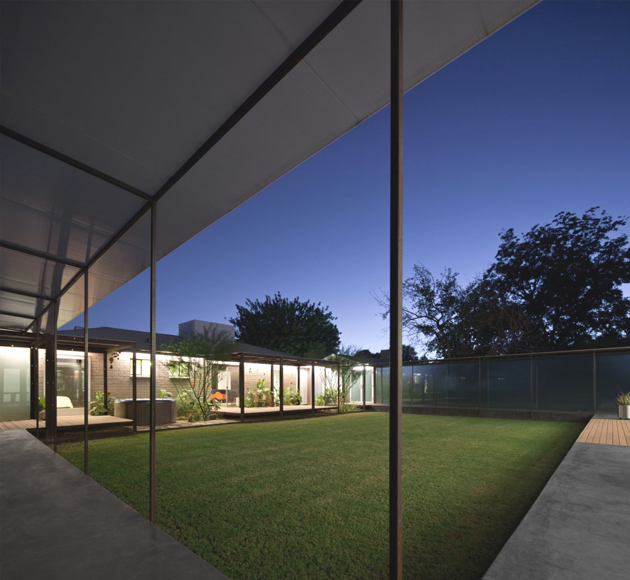 Contemporary-Property-Arizona_05