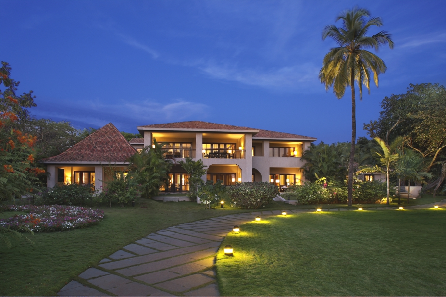 Luxury-Hotel-Goa_01