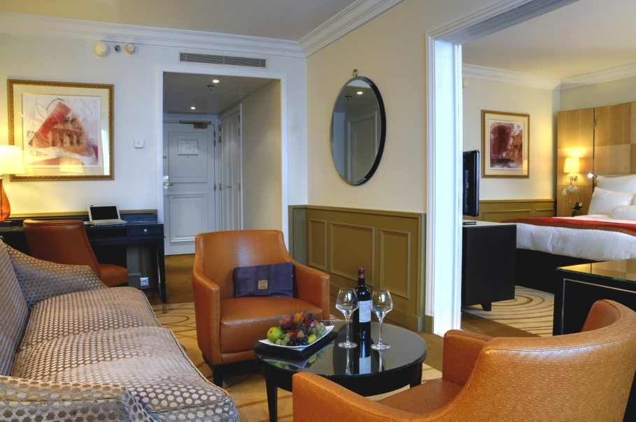 Luxury-Hotel-Paris-France-10