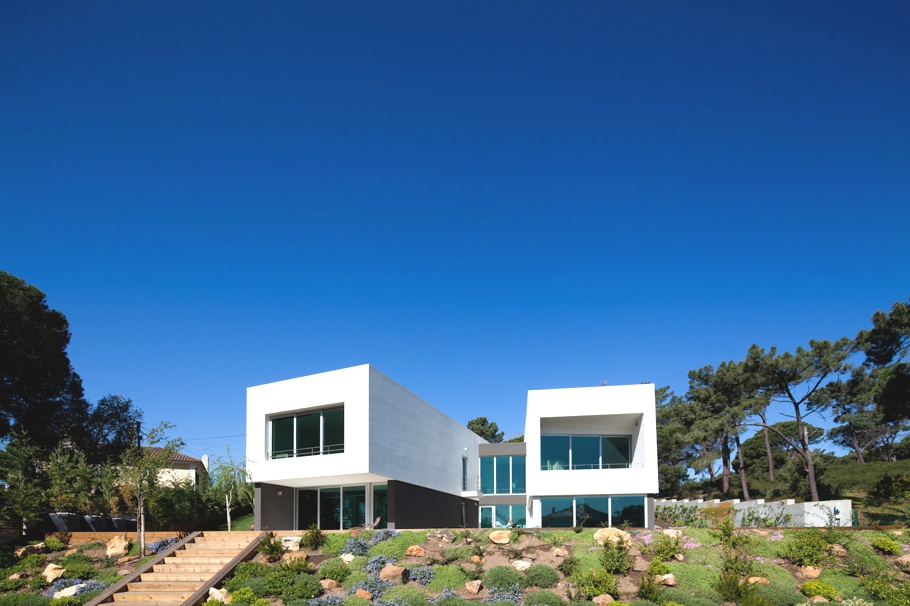 Contemporary-Architectural-Design-Portugal-02