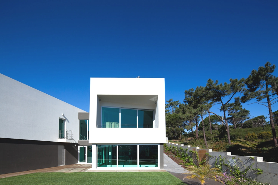 Contemporary-Architectural-Design-Portugal-03