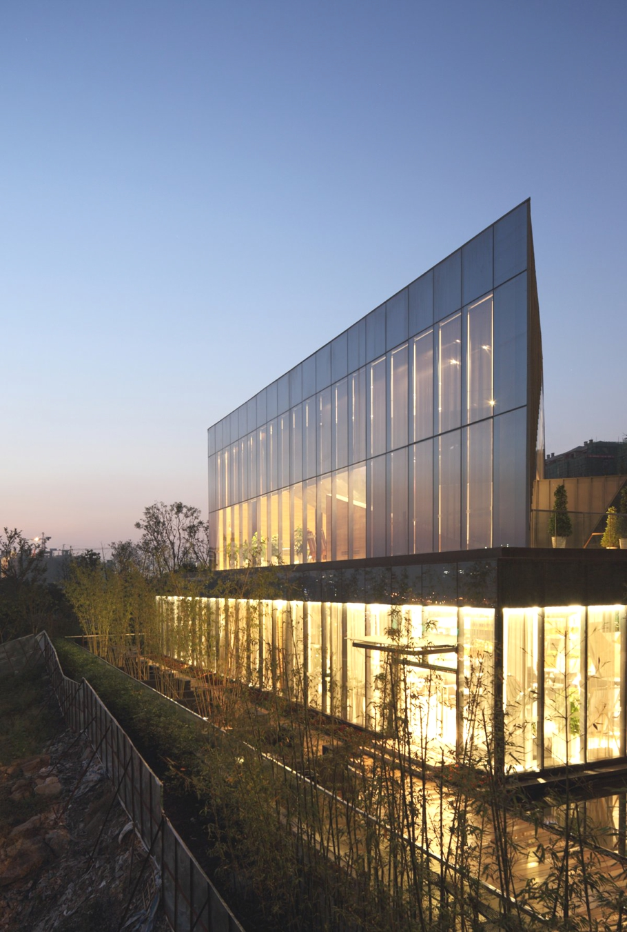 Contemporary chongqing greenland clubhouse china adelto for Clubhouse architecture design