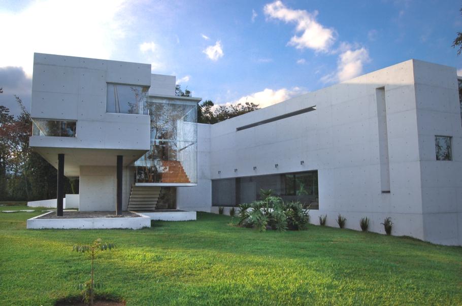 Contemporary-Architectural-Design-Xalapa-Mexico-02