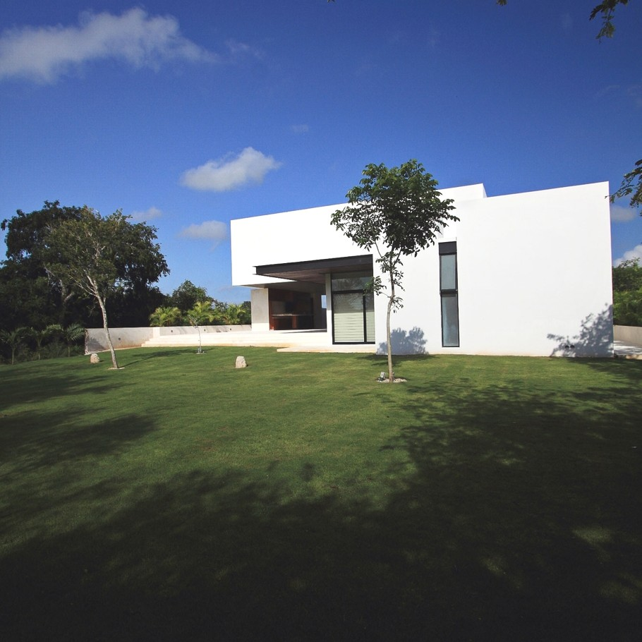 Contemporary-Architectural-Design-Yucatan-Mexico-01