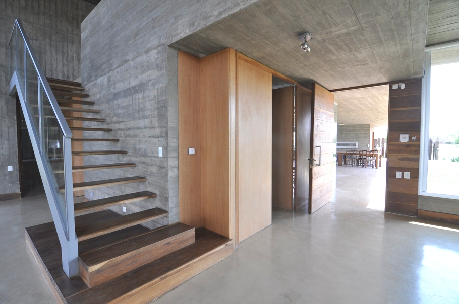 Concrete Chic And Spacious Design Features At Km House Santa Fe Argentina Adelto Adelto