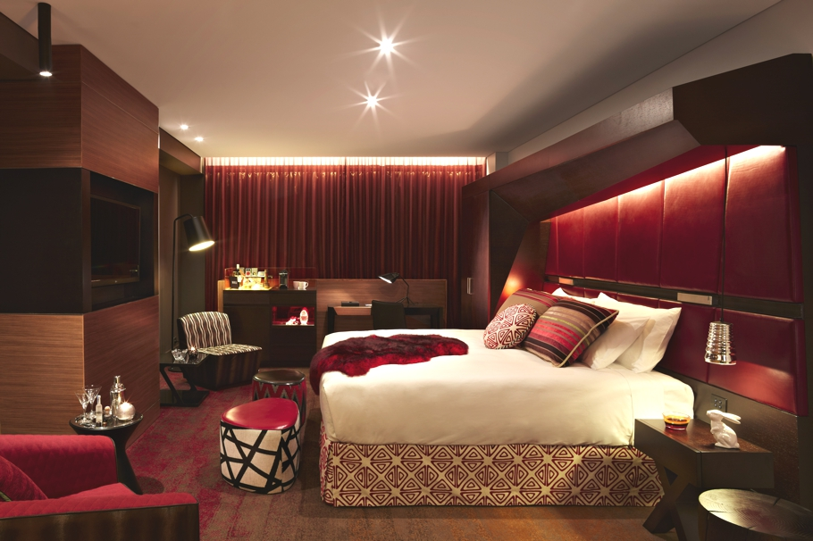 Luxury-Art-Hotels-05