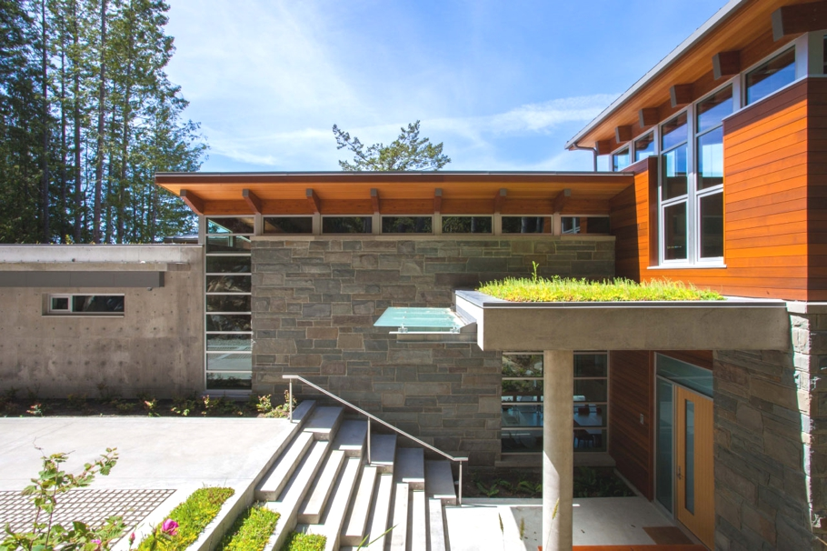 Luxury-Property-Design-British-Columbia-Canada-04