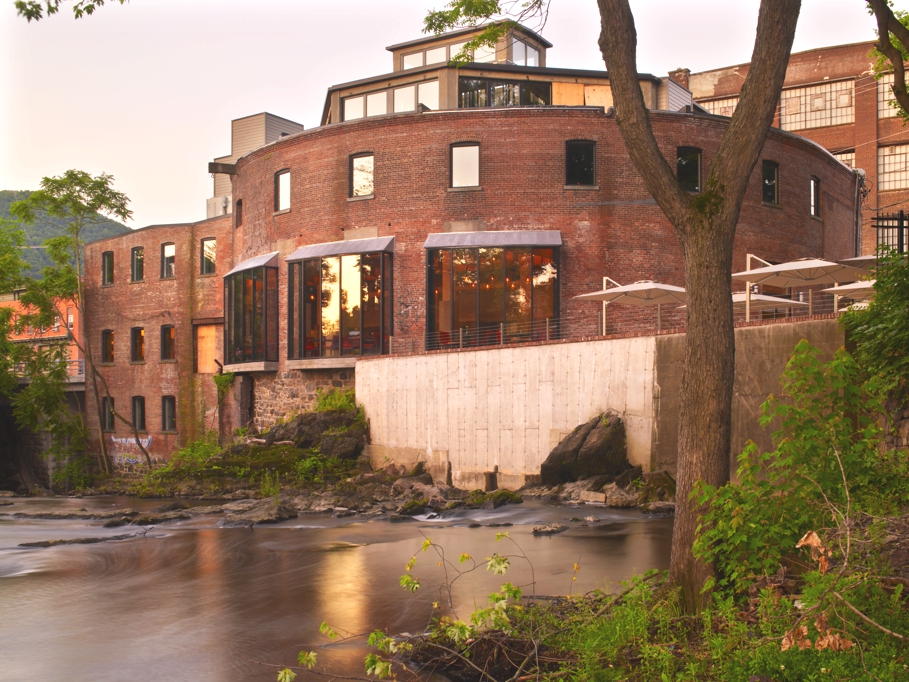 Sample luxury at the roundhouse at beacon falls hotel new for Destination spas near nyc