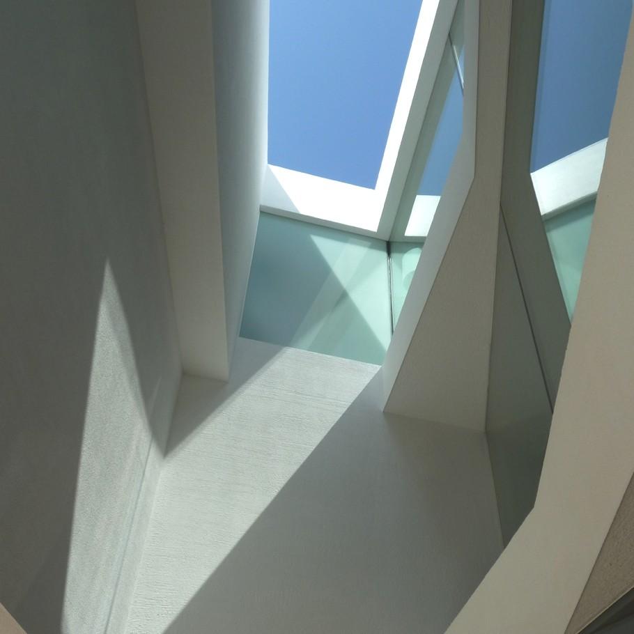Contemporary-Interior-Design-Brixen-Italy-00
