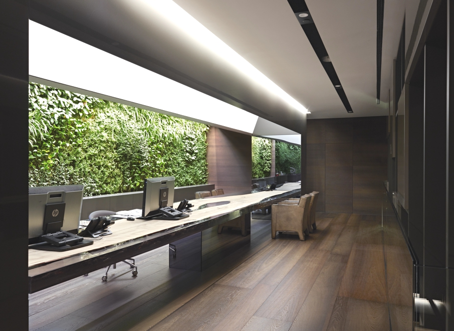 Gessi 39 s new stylish showroom in milan adelto adelto for Interior design office space