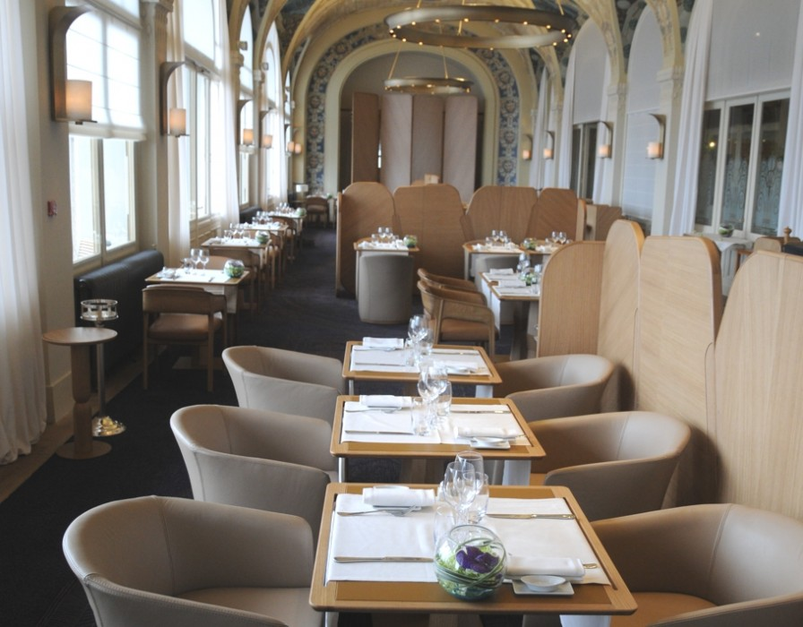 Luxury-Restaurant-Renovation-France-05