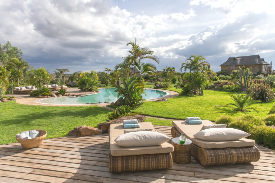 Luxury-Safari-Lodge-Kenya-03