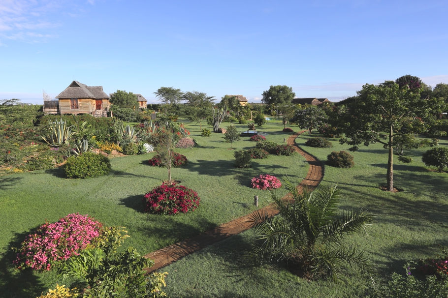 Luxury-Safari-Lodge-Kenya-11