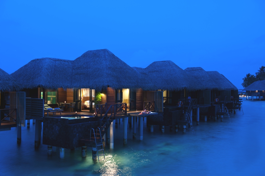 Maldives-Luxury-Hotel-11
