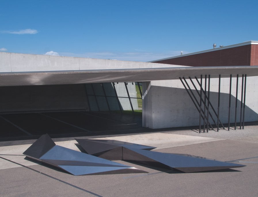 Zaha-Hadid-Contemporary-Design-01