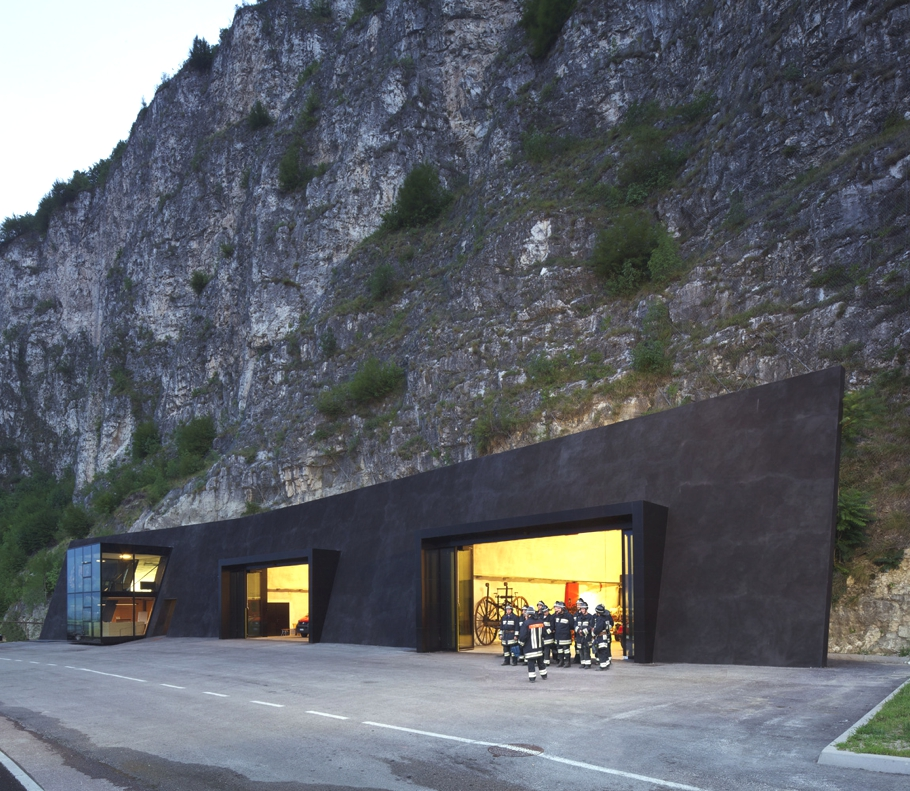 Contemporary-Architectural-Design-Italy-08