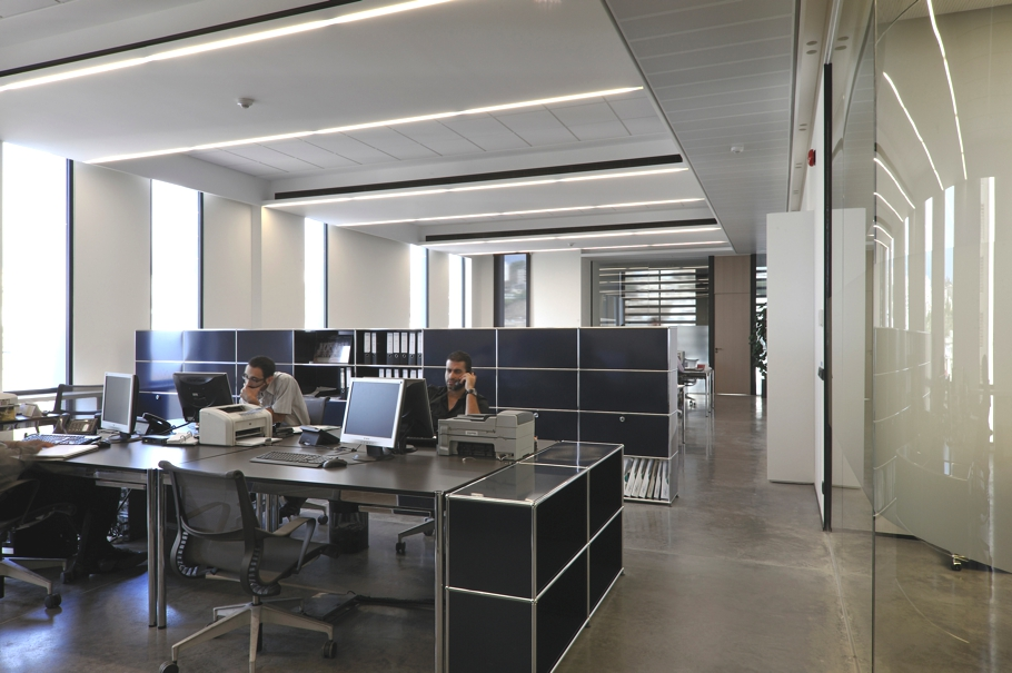 Standard invest mitsulift hq by raed abillama architects for Office design lebanon