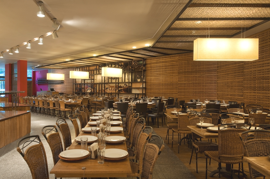 Luxury-Restaurant-Design-Brazil-02