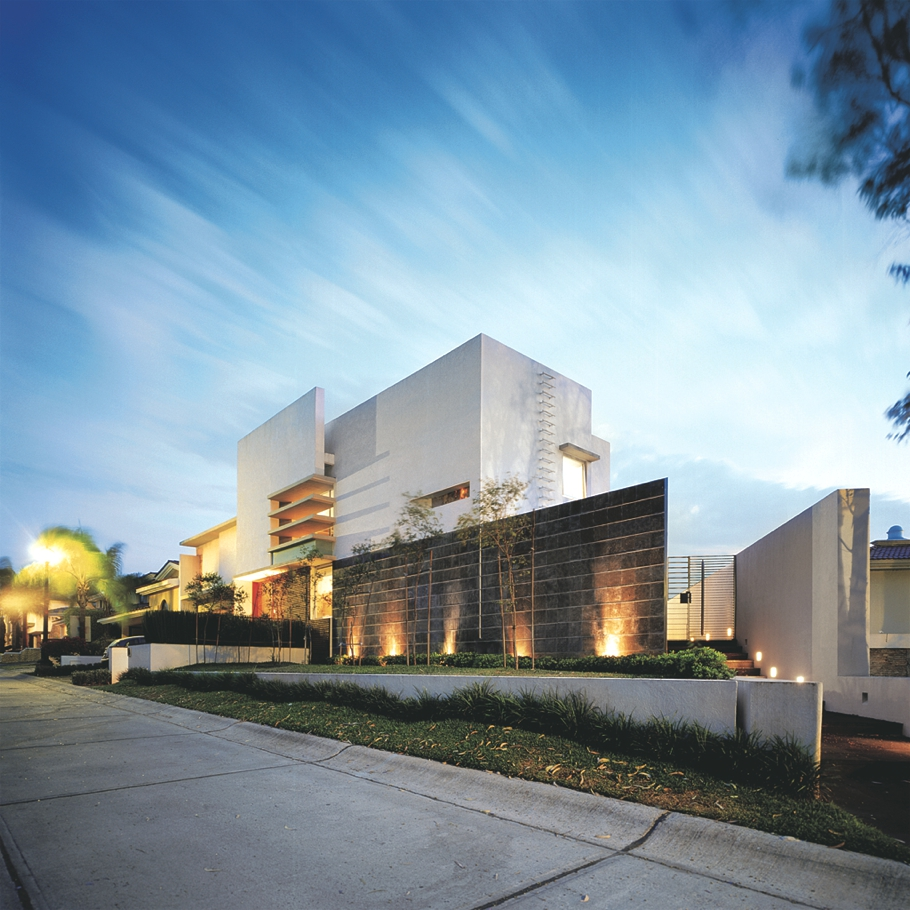 Contemporary-Home-Zapopan-Jalisco-Mexico-00
