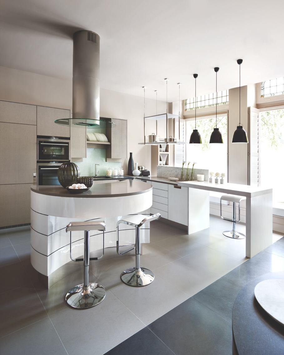 The Interview Interior Designer Kelly Hoppen Mbe Adelto