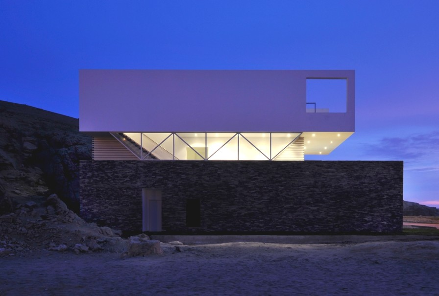 Luxury-Beach-House-Lima-03