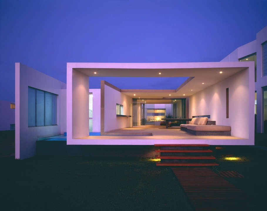 Luxury-Beach-side-home-Lima-Peru-06