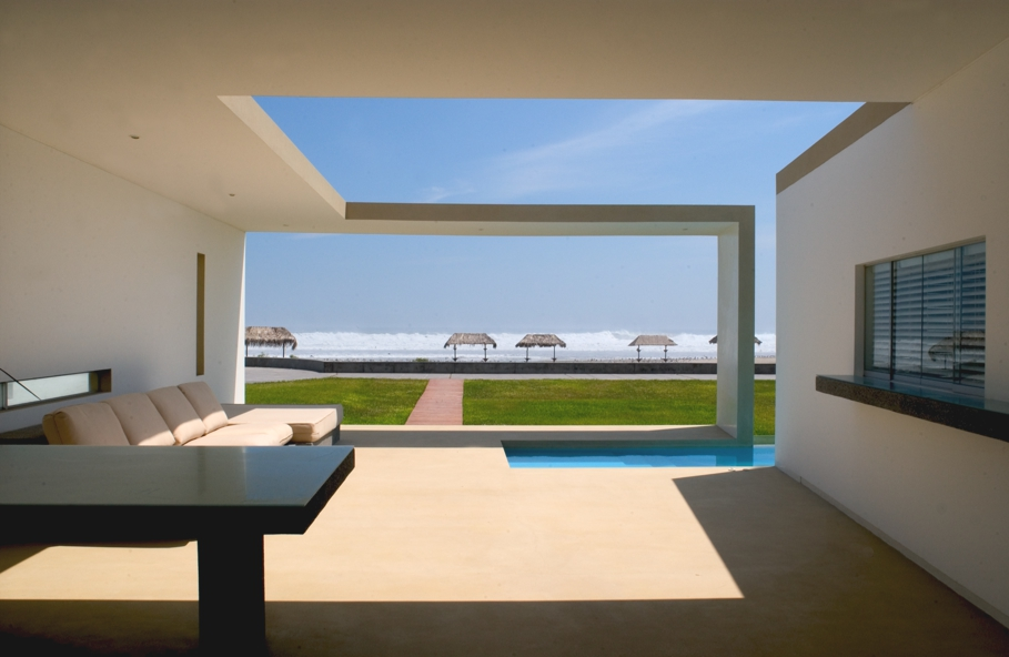 Luxury-Beach-side-home-Lima-Peru-10