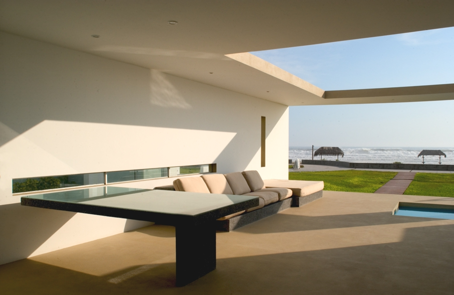 Luxury-Beach-side-home-Lima-Peru-11