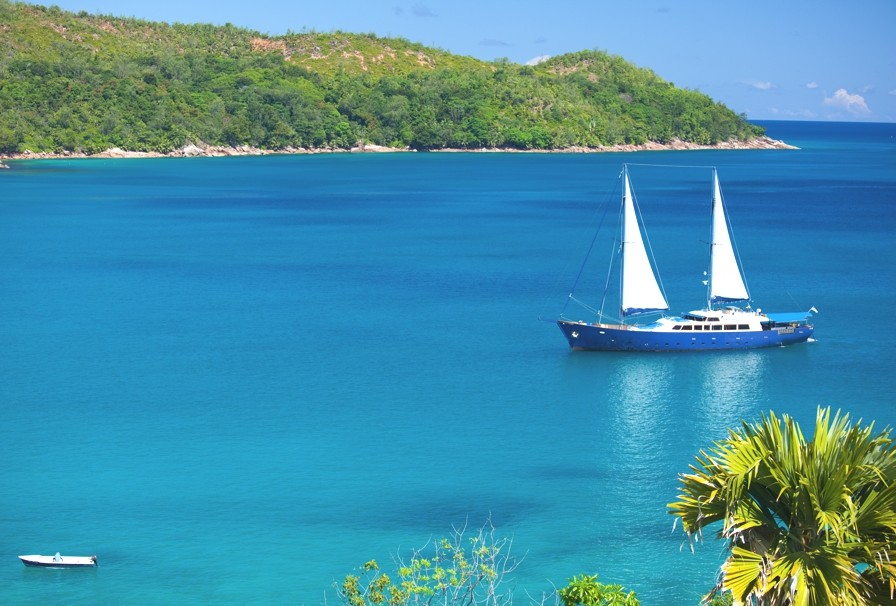 Luxury-Cruise-Seychelles-Review-00