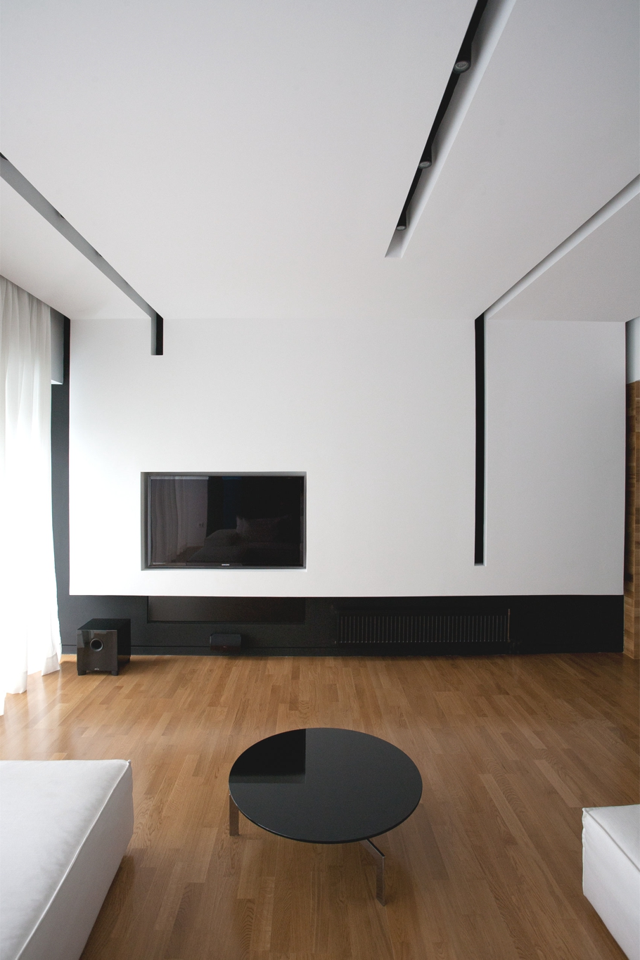 Minimalist interior design apartment athens 04 adelto adelto for Minimalist wall