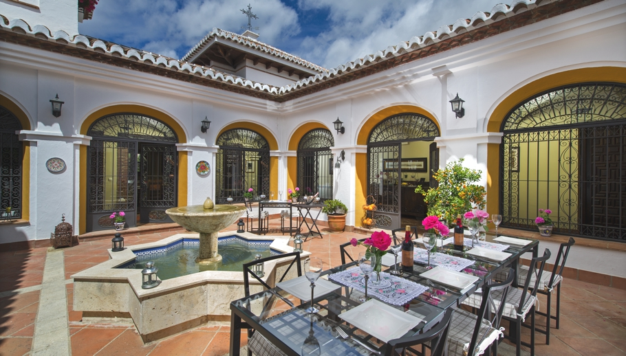 Luxury-Hotel-Andalusia-Spain-Adelto-02