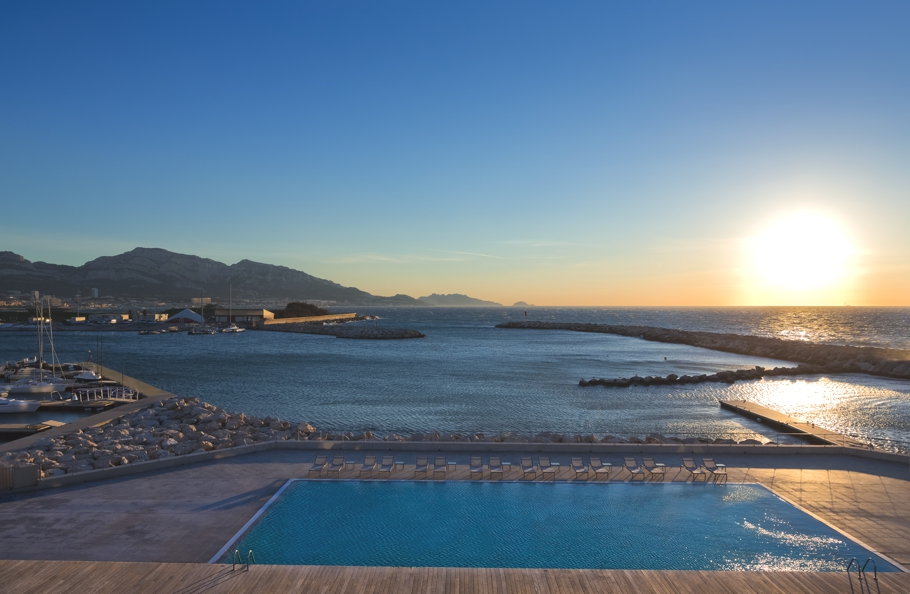 Luxury-Hotel-Marseille-Palm-Beach-04