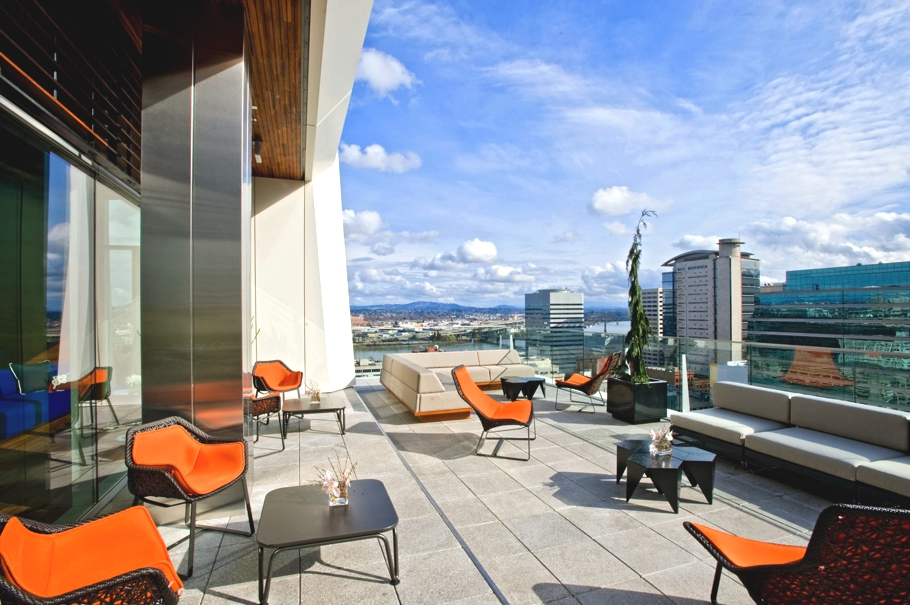 6 Stylish Hotel Rooftop Bars Best For Sipping Cocktails