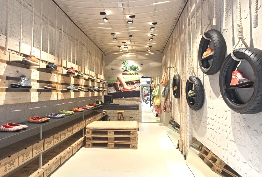 Store-Design-Barcelona-Spain-Adelto-01