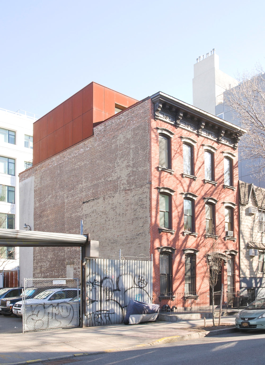 Contemporary-Duplex-Brooklyn-New-York-Adelto-00