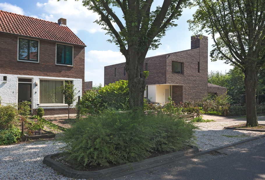 Contemporary-Homes-Groenekan-Netherlands-Adelto-00