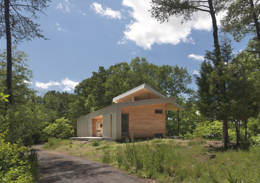 Contemporary-holiday-home-West-Virginia-Adelto-02