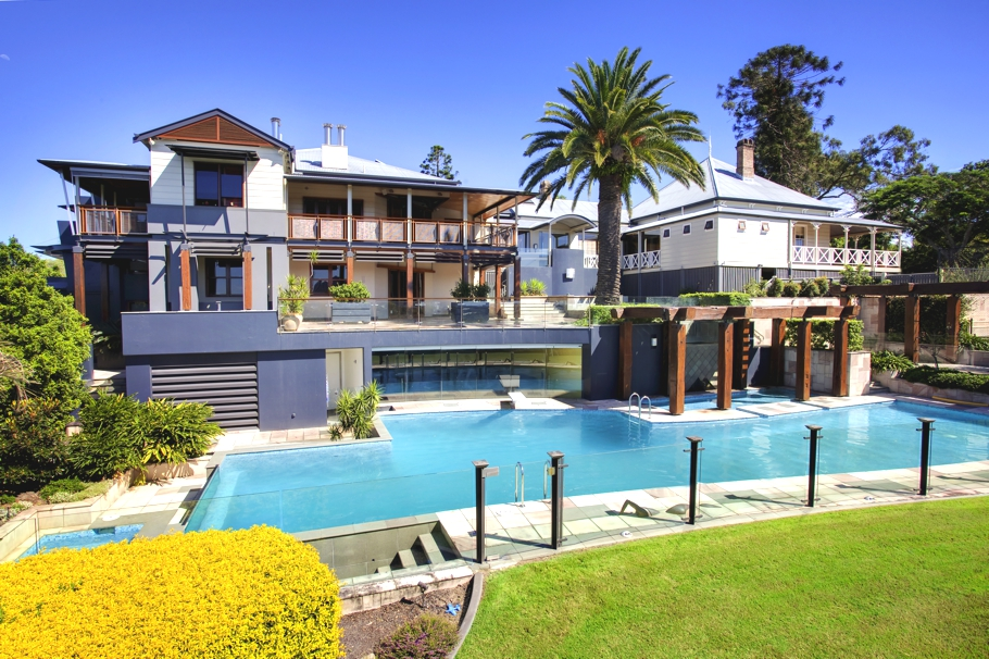 Auchenflower refurbishment two luxury homes in one for Pool home show brisbane